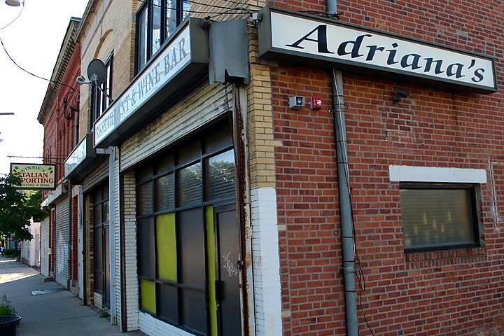 adrianas_-_1_720_480_88_sha-100